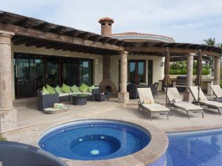 Beautiful 5-Bedroom Home with Gorgeous Ocean View, San José Del Cabo