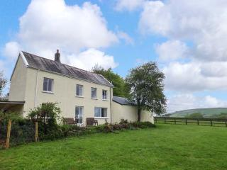 MARSH COTTAGE, rural detached cottage, enclosed garden, dog-friendly, in North Molton, Ref 925657