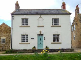 ROSEDALE HOUSE, detached, off road parking, garden, in Welburn, Ref 935228, Malton