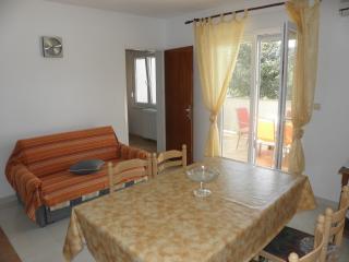 TH02899 Apartments Rak / Two bedroom A2, Rab Island