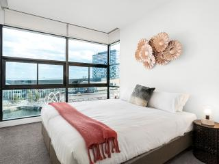 Waterfront Apartments Melbourne 3bedroom luxury-3