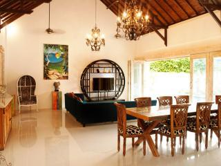 CAPTIVATING VILLA 2 BAMBOO MOON VILLAS BEACH SIDE