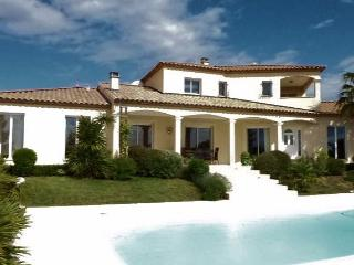Narbonne luxury villa South West France, with pool (sleeps 8) (Ref: 561)