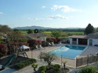 La Bastide des Lavendieres, Rural French gites, pool sleeps 2-6 (Ref: 396), Canaules-et-Argentieres