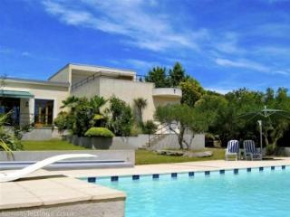 Villa Sommieres, South France holidays rental with pool (sleeps 8) (Ref: 116), Villevieille