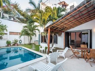 Casa Sora - Swimming Pool, Rooftop Terrace, 4 Blocks from Ocean, Cozumel