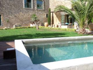 Nezignan l'Eveque, holiday villa in France with private pool sleeps 6 (Ref: 626)