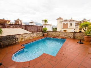 Villa 100 meters to beach Nerja 4 bedrooms