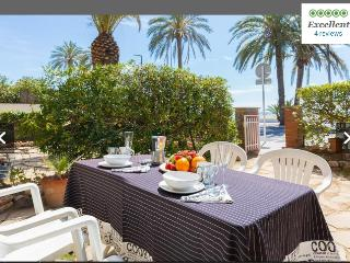 BeachFront apt+garden Barcelona