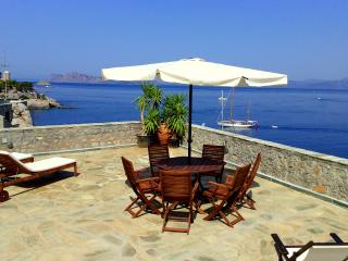 Villla Castello - Studio apartment with 2 bedrooms, Hydra Town