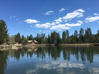 RIVERFRONT Home on the Big Deschutes near Sunriver, Bend