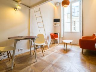 Tangerine studio in the center of Paris