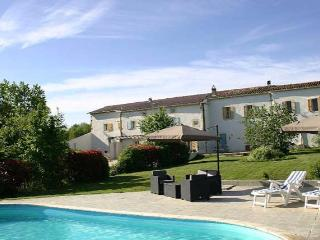 Carcassonne French gites to rent with pool (Ref: 877), Belpech