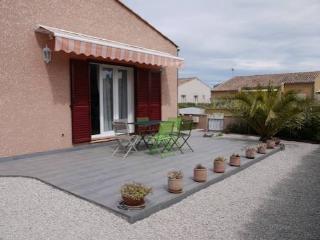 Marseillan holiday villa in France (sleeps 6) (Ref: 924)