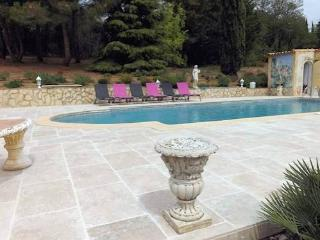 Pezenas villas South of France with private pool