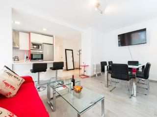 Remodeled Apartment next to Plaza Espana, Madrid