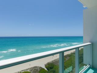 Ocean Front Village #15 - 1Bed / 2Bath, Miami Beach