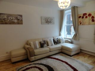Meard Street SOHO; Delightful firstfloor Apartment, London