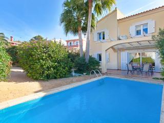 Beautiful villa with private pool, Llucmajor