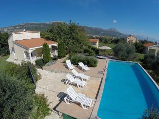 Cozy  house with pool, Kastel Novi