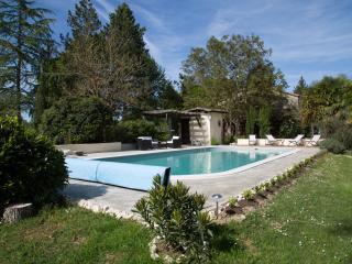 La piscine entièrement rénovée cet hiver