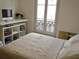 Bright flat near Jardin des Plantes, Paris