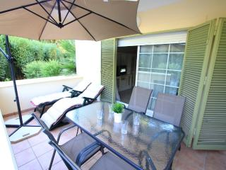 Apartment in Las Dunas Elviria, Marbella
