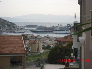 KUSADASI PRİVATE GARDEN APARTMENT WITH SEA VIEWS, Kusadasi