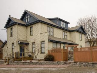 Carew House-3, Vernon