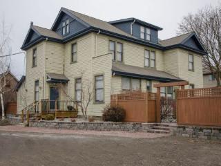 Carew House-6, Vernon