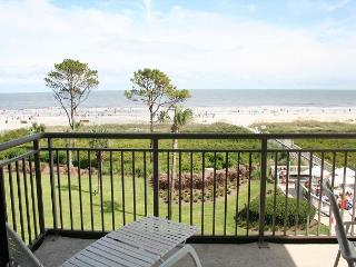 2 Bedroom Oceanfront Villa with Private Oceanfront Balcony & Oceanfront Pool!, Hilton Head