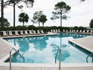 Fabulous Top Floor Villa on the Beach with Sound/ Ocean Views at South Beach!, Hilton Head