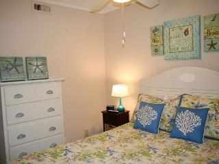 Oceanfront 1 Bedroom villa with Private Oceanfront Balcony!, Hilton Head
