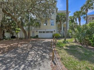 3rd Row Ocean Home with Private Pool & Limited Ocean Views from Decks, Hilton Head