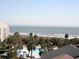 Fabulous Ocean Views from this 2 Bedroom Villa in Shorewood, Hilton Head