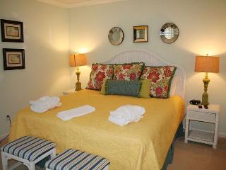 2 Bedroom, 2 Bath ground floor villa with Golf Course views in Evian Complex, Hilton Head