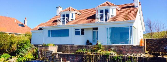 Fantastic 3 Bedroom detached Seafront Property