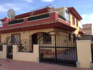 3 bed 2 bath house shared pool air con wifi TV, Ciudad Quesada