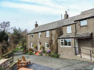 NEAR BANK COTTAGE, 17th century farmhouse, hot tub, woodburning stove, WiFi, games room, Bootle, Ref 922732