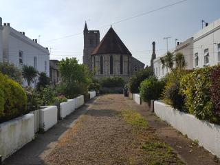 PARADE COTTAGE a lovely 2 bedroom period cottage ., Eastbourne