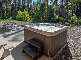 6-person hot tub, outdoor fire pit, two picnic tables and a gas BBQ
