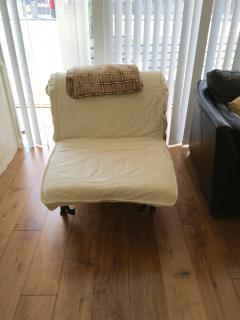 Chair bed single