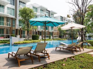 2 BR Hua Hin Wan Vayla Condo - Beachfront
