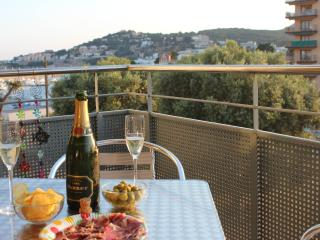 With views of the Marina - just the ticket for a fantastic holiday location