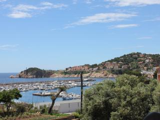 Marona, stroll to beach/centre - all year round!, Sant Feliu de Guixols