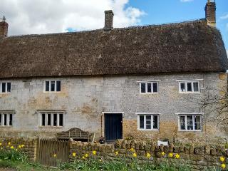 Castle Farmhouse Cottage