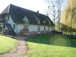 La maison verte du clos Vorin. Une belle normande dans un écrin de verdure. A 20 mn d'Honfleur