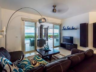 Casita Mareazul (104N) - Amazing Beachfront Location, Private Pool&Jacuzzi, Exclusive Community