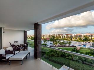 Condo Mareazul (325S) - A Lovely Two-bedroom Condo Within the Mareazul Condominium Community, Playa del Carmen