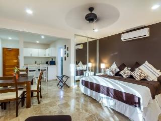 Casa Coral (4A) - An Oasis of Comfort in the Center of Playa, Playa del Carmen